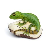 Lizard Tagua Carving from Panama
